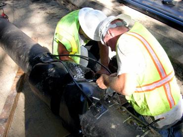Проведение работ по соединению проводов, установленных на каждой трубе с образованием непрерывной электрической цепи.